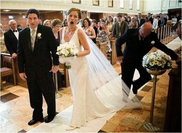 أطرف صور العروسين في حفلات الزفاف  Funny-wedding-photos-07
