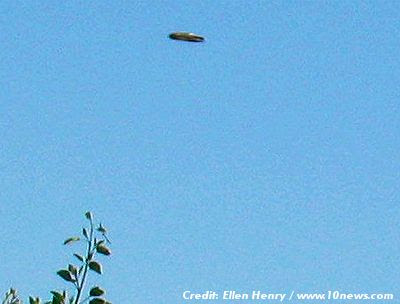 Local Woman Snapped Photos of UFO Over Santee, California 5-22-13