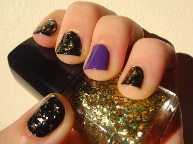 Halloween nails, purple, black, gold flakes, glitter