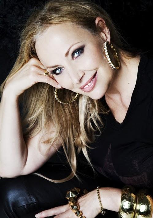 ZANNAH HULTÉN Sångpedagog,Artist,Producent,SångCoach,Ceo SONG ACADEMY