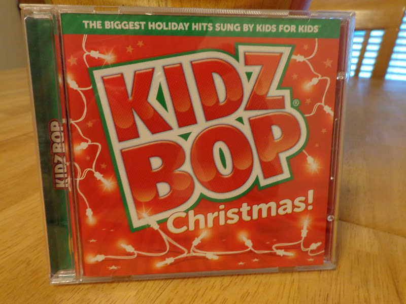Running Diva Mom: Kidz Bop Christmas CD Review & Giveaway