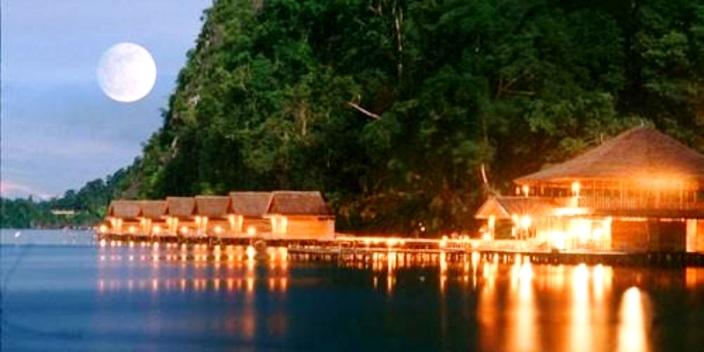 Pantai Ora Desa Saleman, Seram Utara, Maluku Tengah. ZonaAero