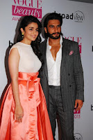Alia Bhatt with Ranveer Singh at Vogue Beauty Awards 2013