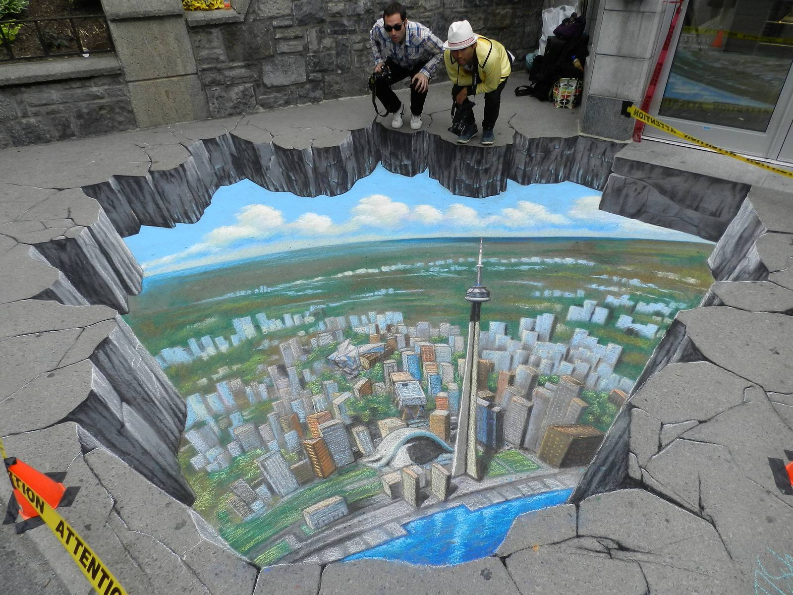 The amazing 3d chalk street paintings of tracy lee stum for 3d street painting mural art