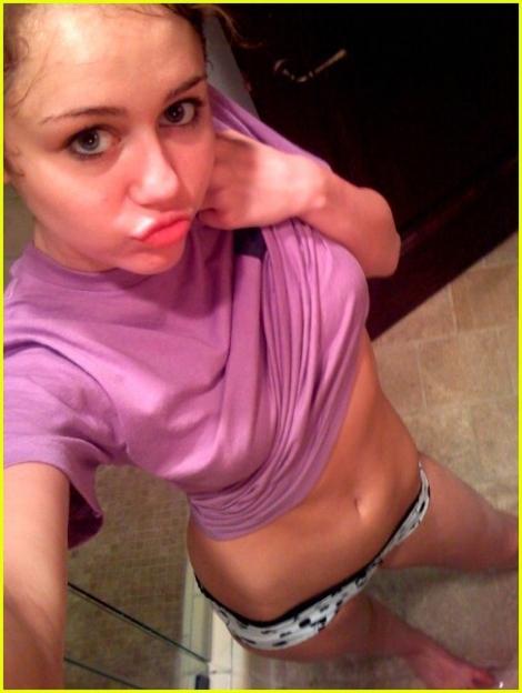 Miley Cyrus llega sin Calzones a los MTV VMA 2015 - YouTube