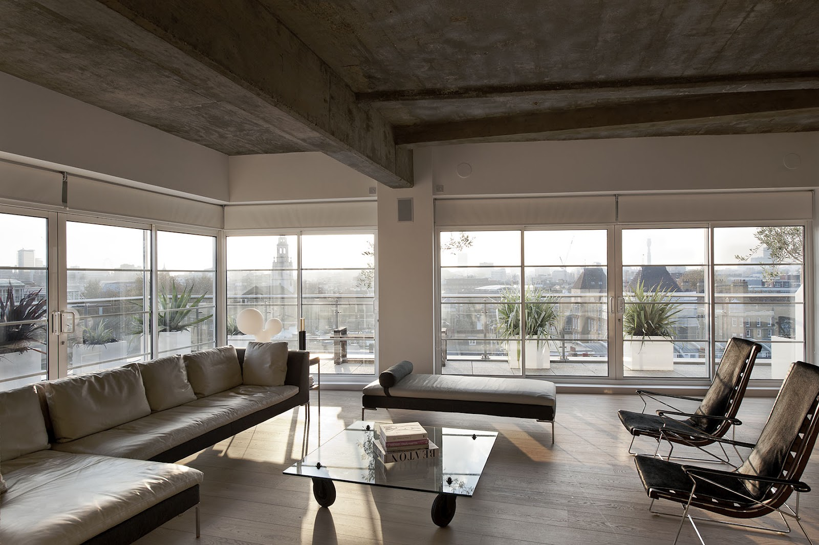 New home design outtakes william tozer 39 s london loft for Exposed ceiling design