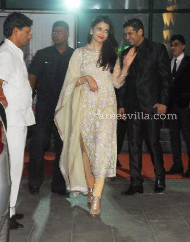 Aishwarya Rai Bachchan in Abu Jani & Sandeep Khosla