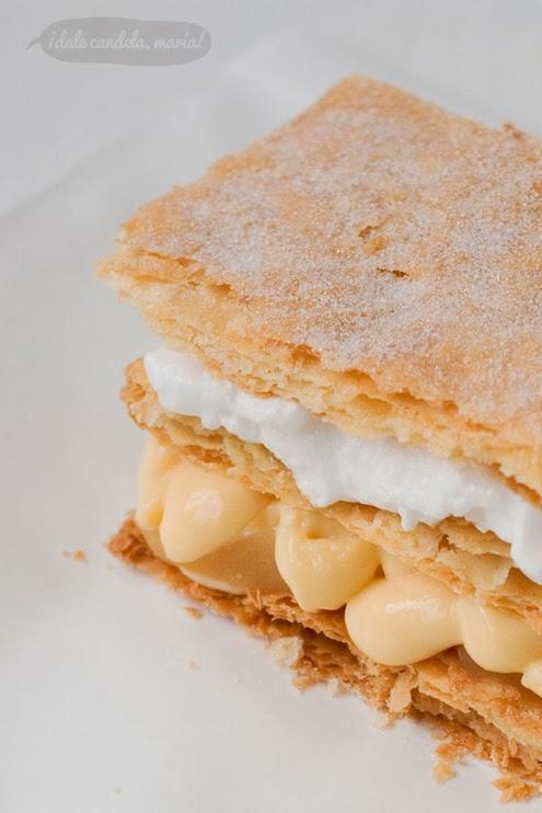 receta de hojaldre invertido para milhoja. Crema pastelera casera y merengue italiano.