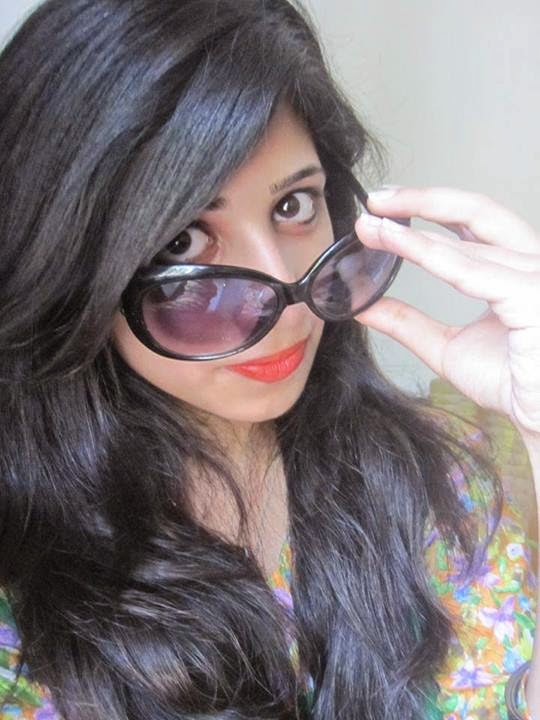 Pakistani Bachi In Glasses On Date