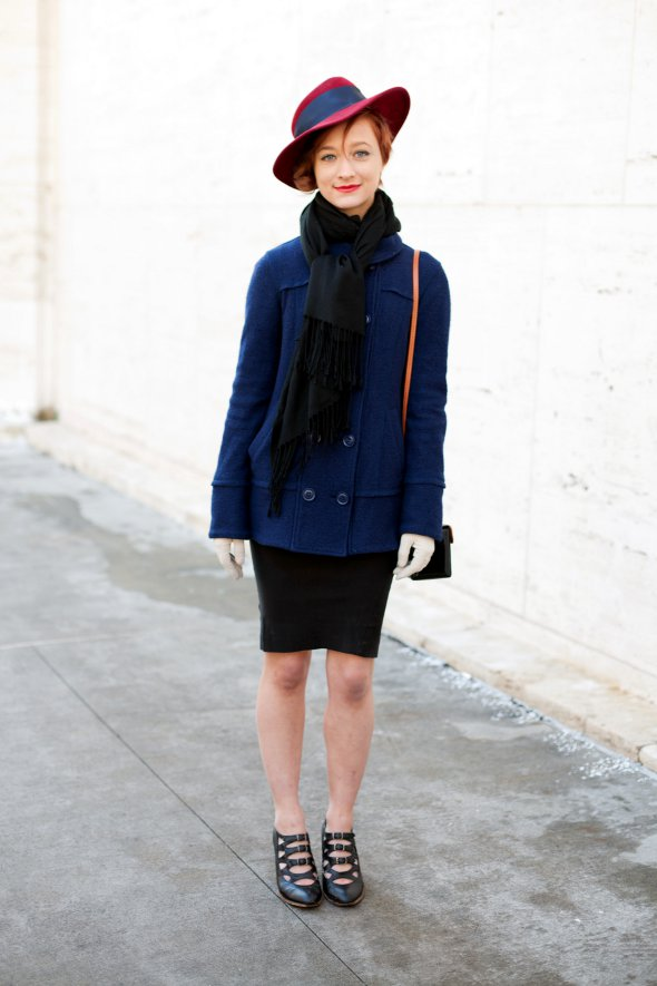 new york street style, new york fashion week, womens fashion in new york, hats on women, scarf, scarves, february 2013