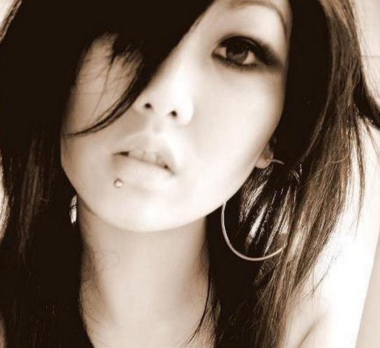 Saksikan Kecantikan Wajah Gadis Mongolia yang Anggun Menawan