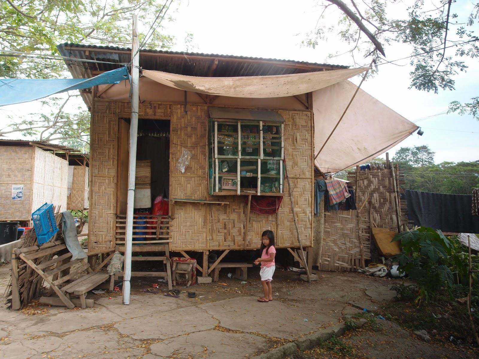Half Cement Half Amakan House Modern House