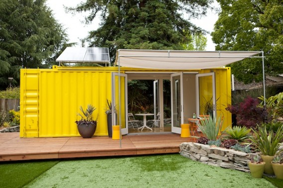 1000 solar ideen gartenhaus aus recyceltem container mit. Black Bedroom Furniture Sets. Home Design Ideas