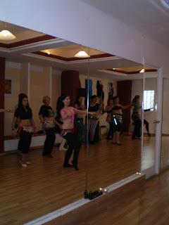 clases de danza oriental en Sevilla