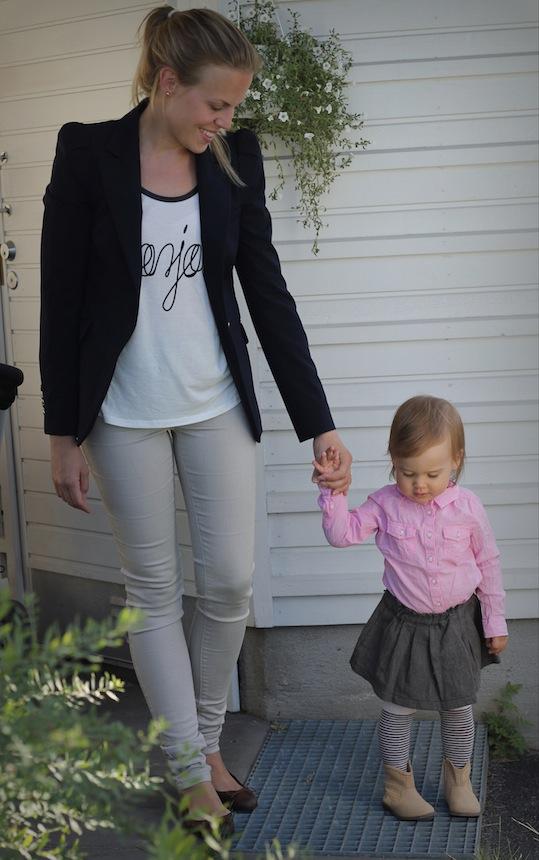Äitin vaatteet  BLEISERI  Zara    T-paita  Lindex    FARKUT  Vero Moda     BALLERINAT  H M f5e64d4a5d
