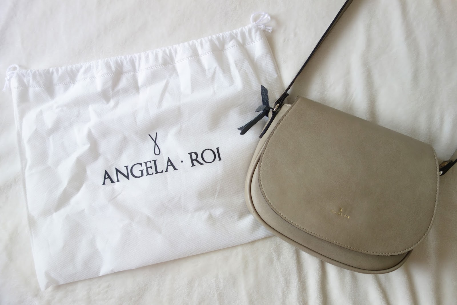 Morning Cross-Body | Angela & Roi