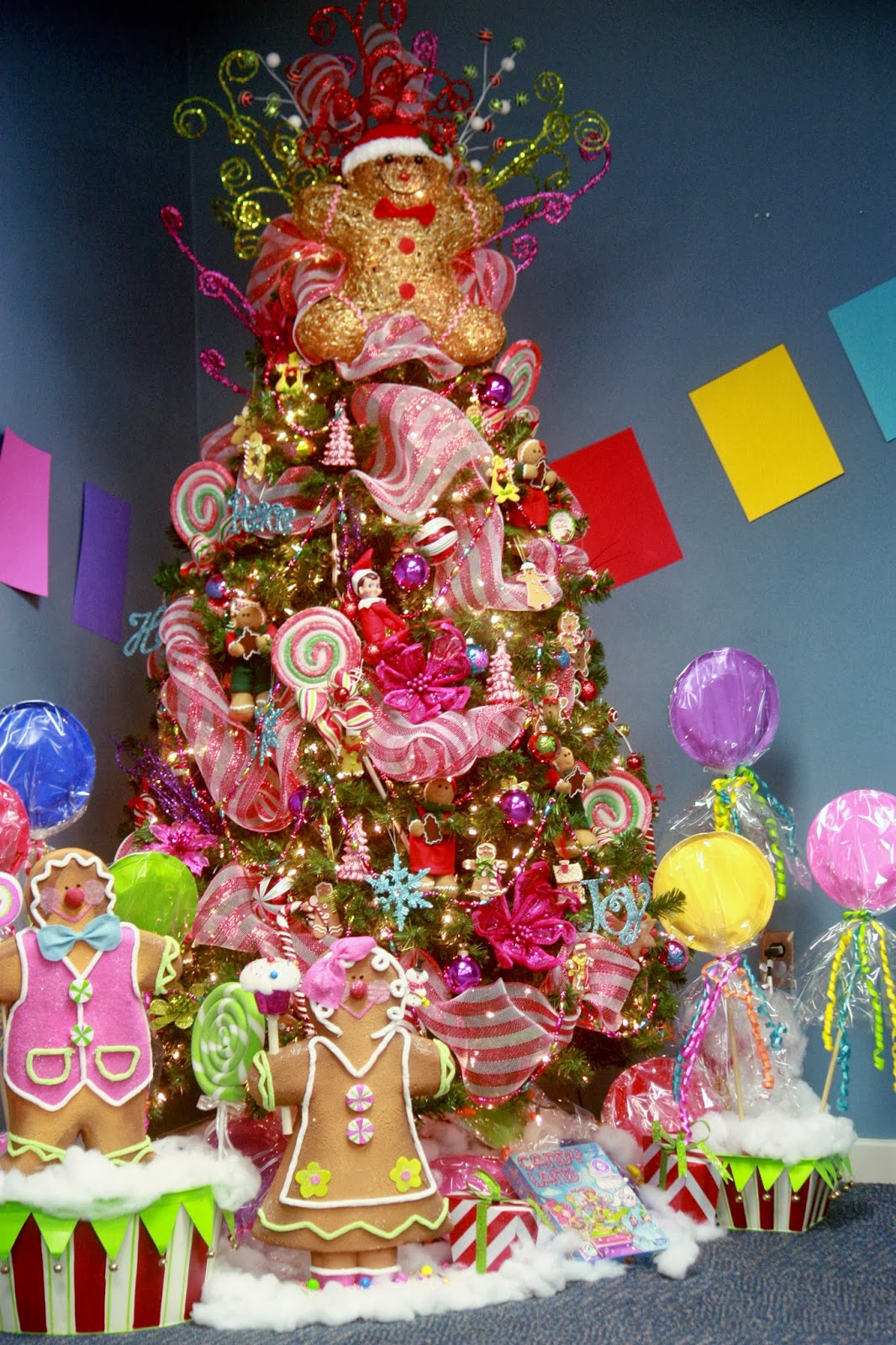 is this tree gorgeous or what love all the whimsical touches and the sweet gingerbread accents certainly over the top