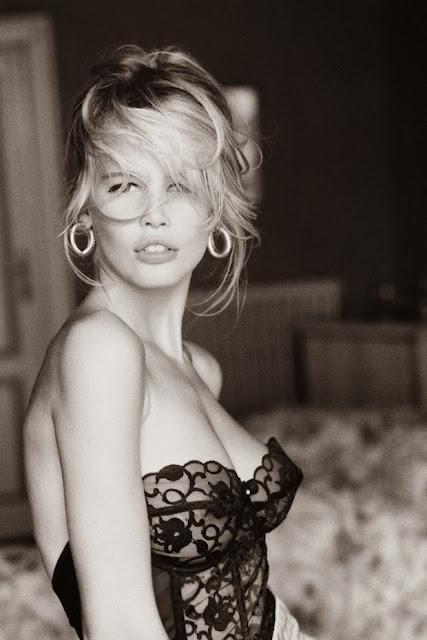 lingerie photoshoot, Irina Pavlova fashion blogger