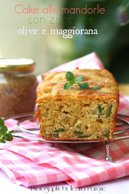 cake alle mandorle con zucchine, olive e maggiorana