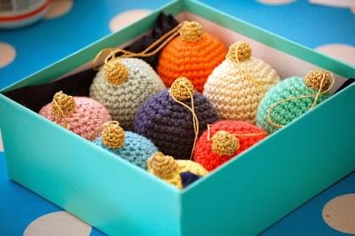 free crochet pattern bauble ornament