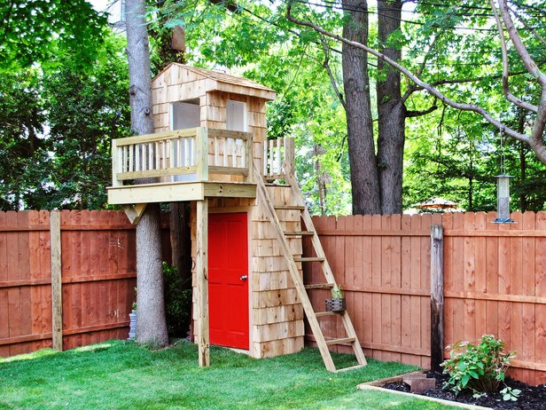 Home decorations small backyard ideas for kids for Small tree house
