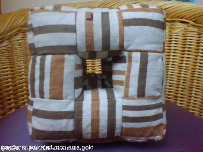 подушка с отверстиями Unusual pillow-cube with holes.