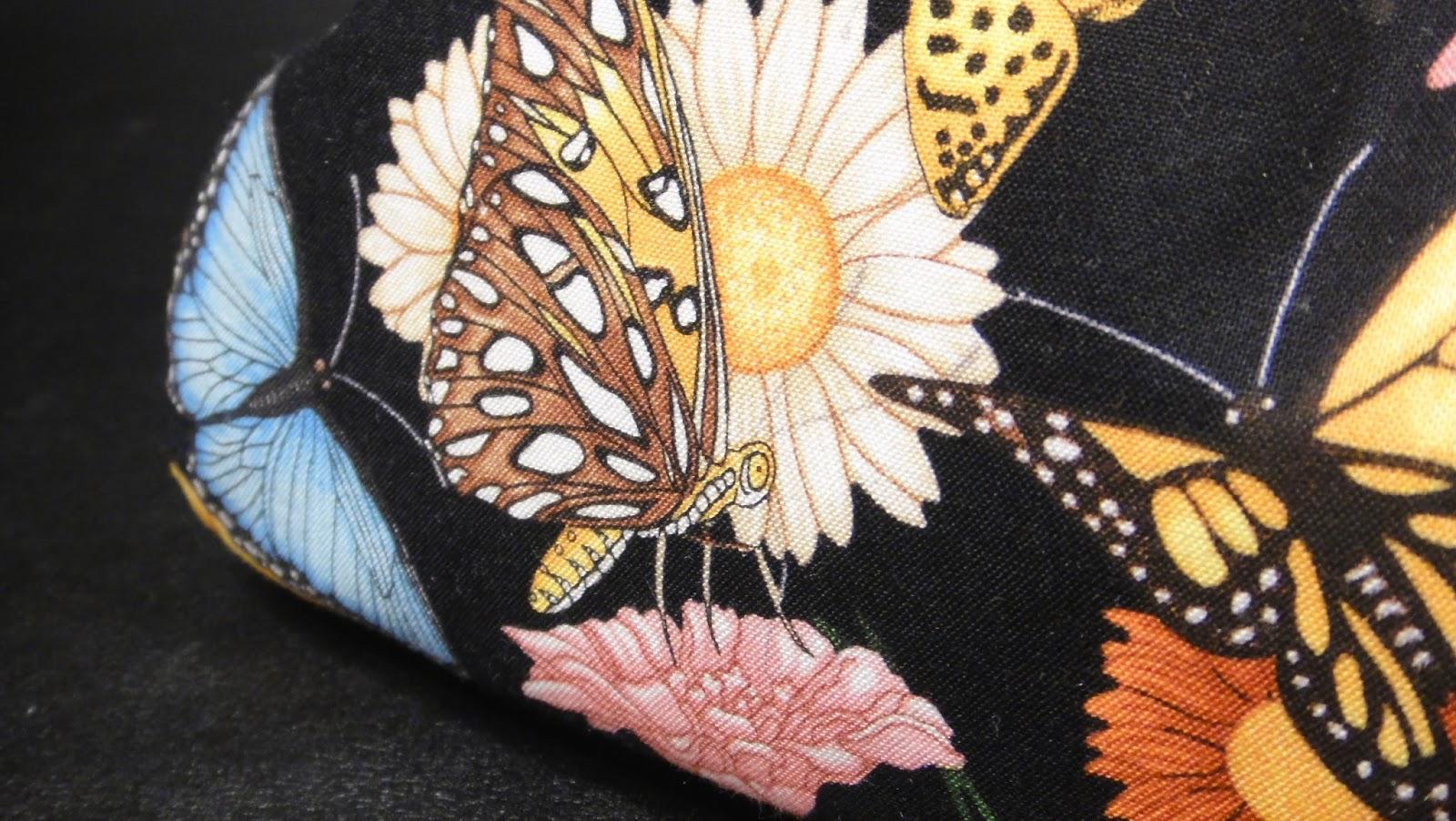 Бабочки в руках вышивка