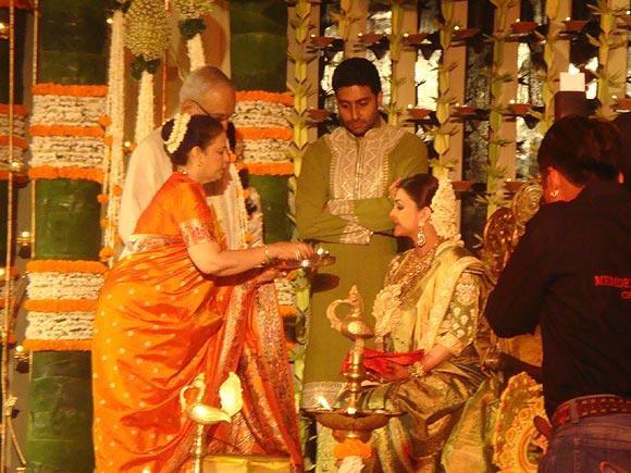 Unseen Pics Of Aishwarya Raiu0027s Baby Shower