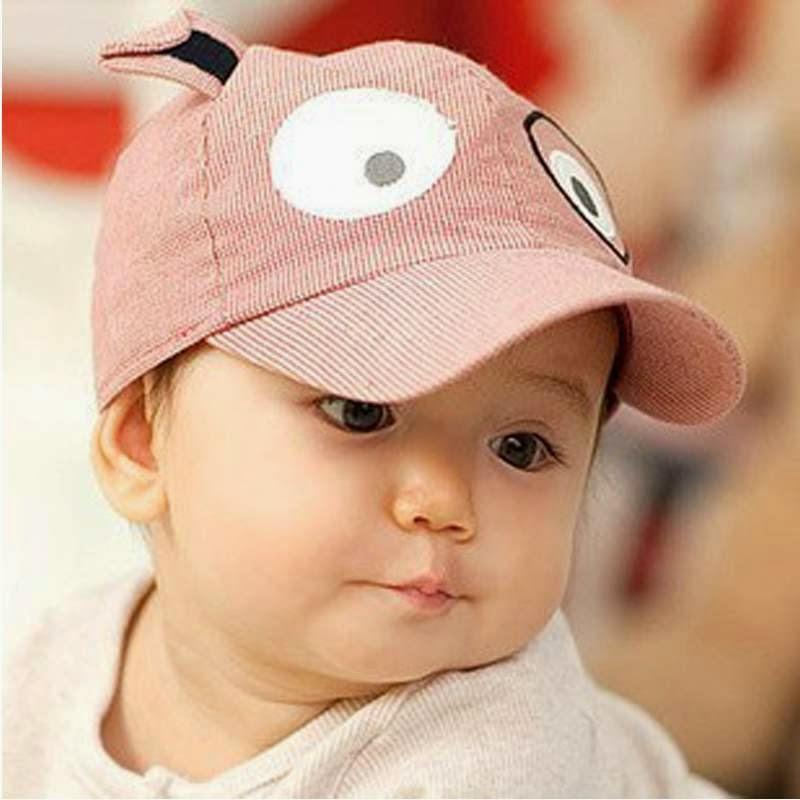 Gambar anak pakai topi keren dan lucu banget