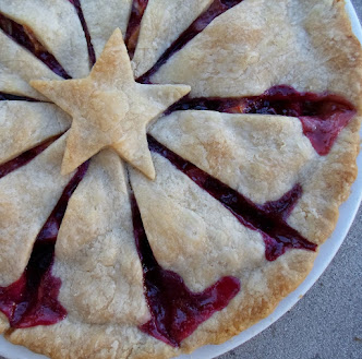 rhu-berry (rhubarb and blueberry) pie