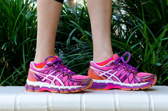 Asics Purple Pink White Gel Kayano 20 Running Shoe Head Socks