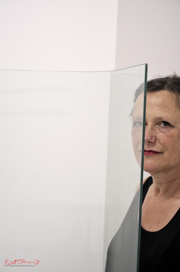 Riki Mijling Artist Portrait with IHCW installation - SNO 92 - Fujifilm X-Pro1