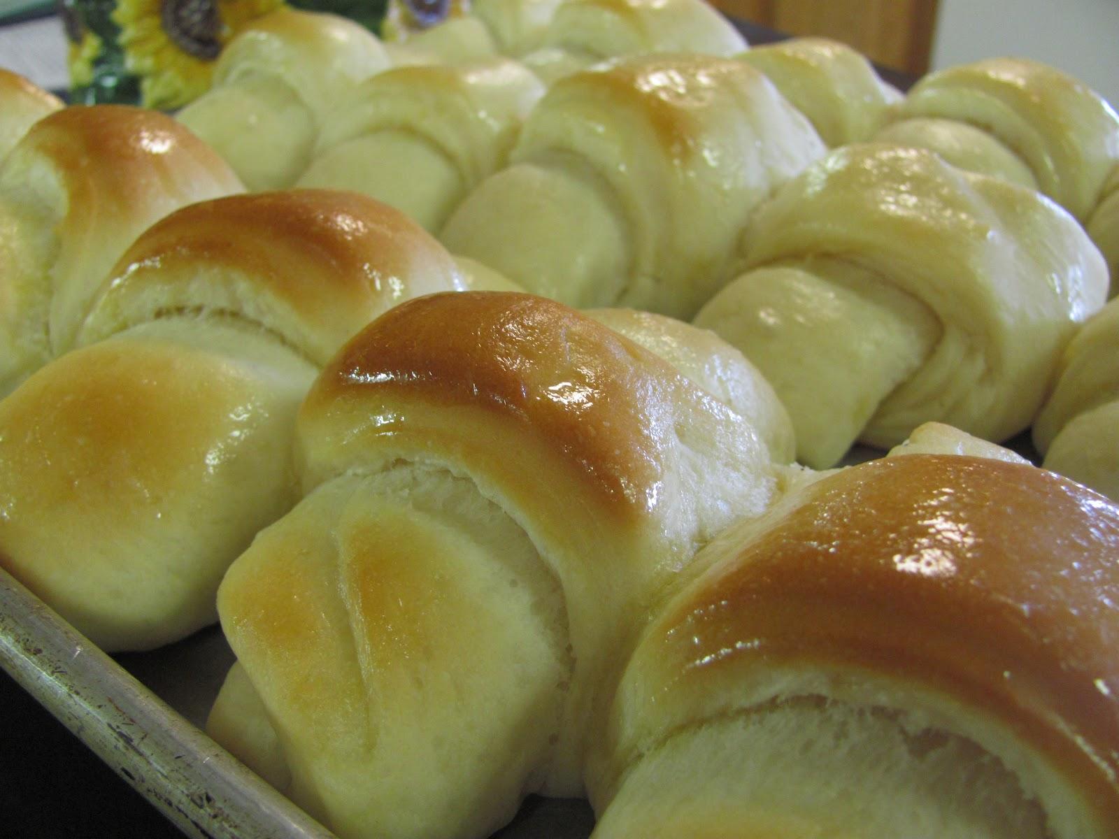 Better Than Burgers: Butter Dinner Rolls