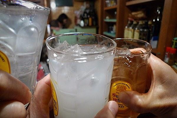 酒房京子 焼酎水割り