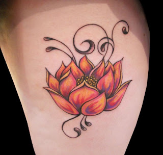 Flor de loto en tatuaje