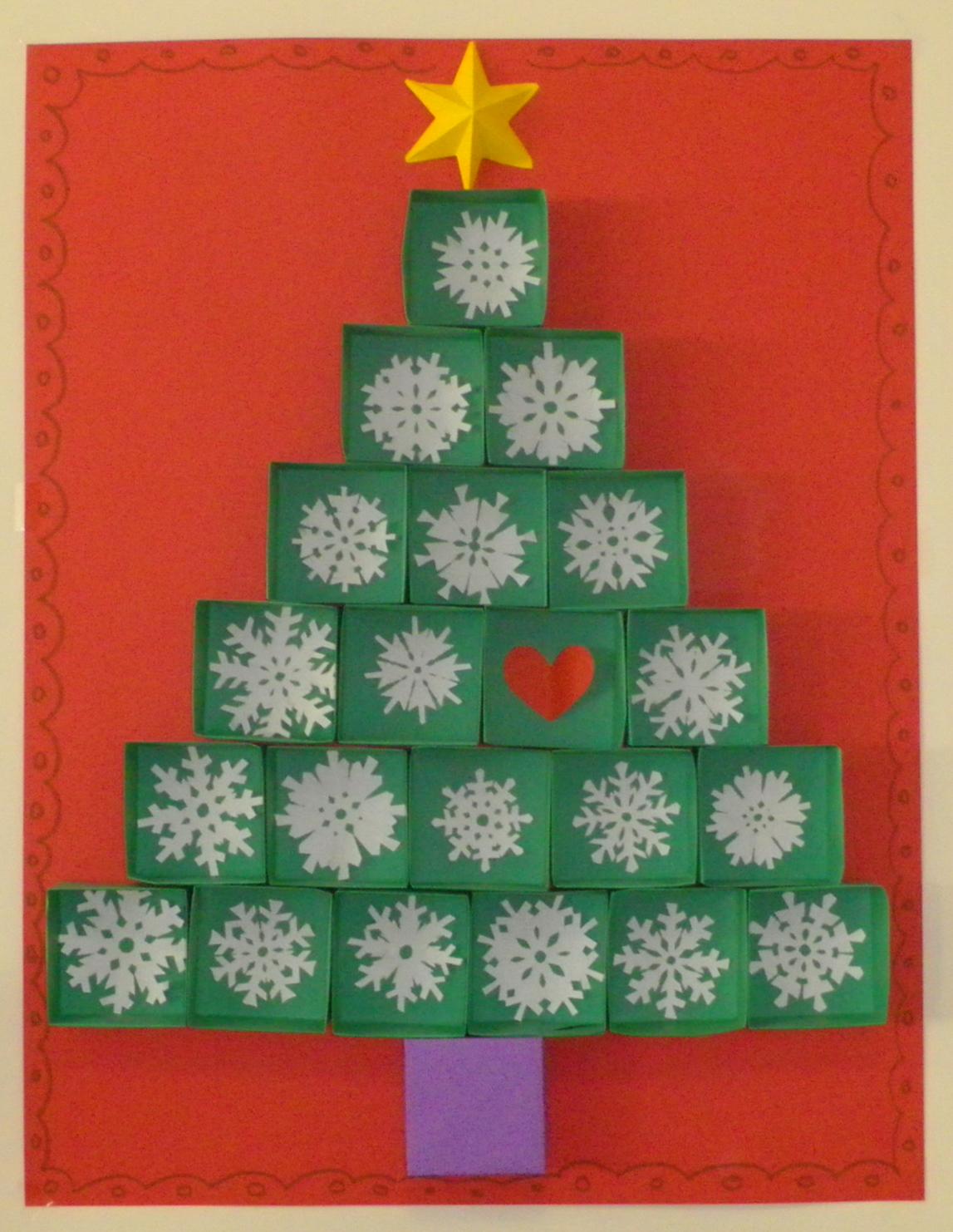 re creo de colores mural de navidad rbol de cajitas