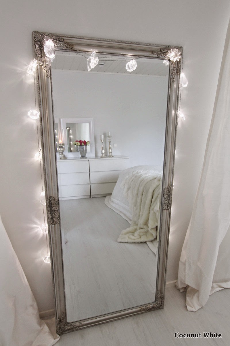 Makuuhuoneen uusi hopeinen Rude peili  Coconut White