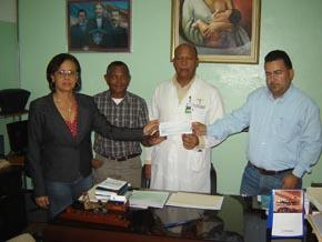 Daneris y Solis donan aumento de sueldos a hospital infantil San Lorenzo de Los Mina