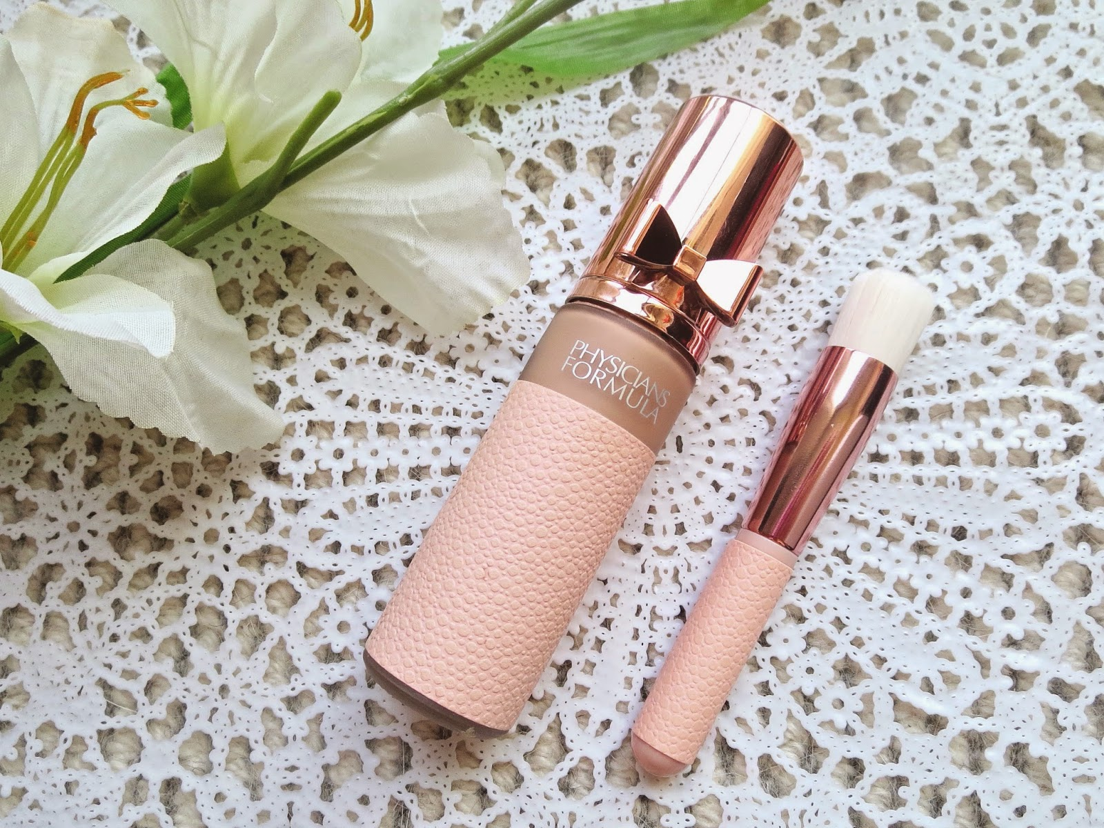 a picture of Physician's Formula Touch of Glow Foundation