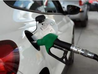Oι βενζινοπώλες διαμαρτύρονται επειδή τους υποχρεώνουν να δέχονται κάρτες