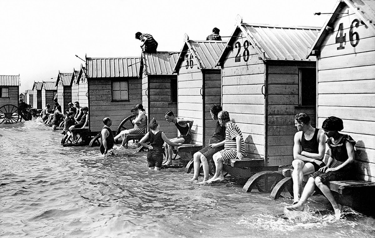 a collection of 45 interesting vintage photographs of bathing machines from the victorian era. Black Bedroom Furniture Sets. Home Design Ideas