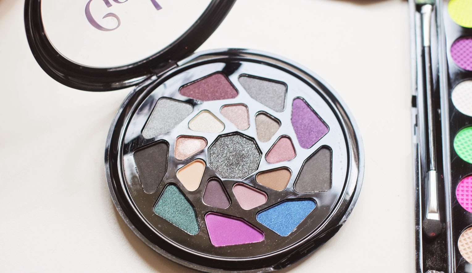 Makeup Revolution I Heart Makeup Go to Hell! Palette