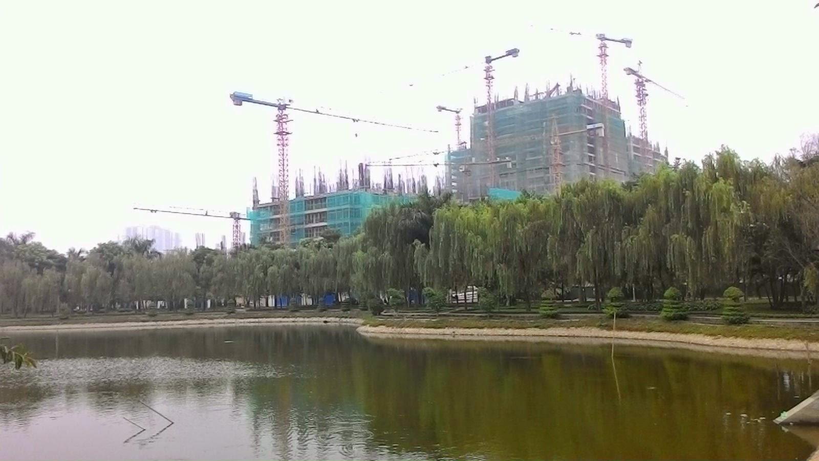 Chung cư HH3 Linh Đàm nhìn từ mặt hồ