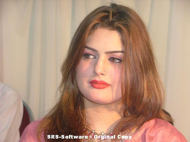 Ghazala Javed the new smart singer of pashto music, Ghazala Javed is