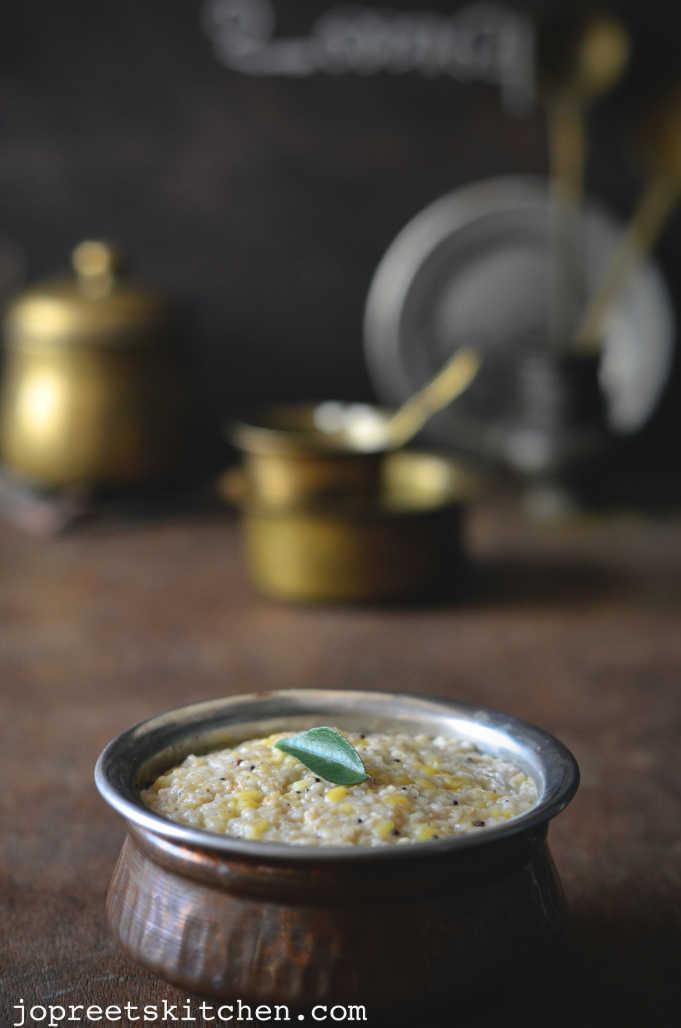 Oats & Broken Wheat Pongal - Easy Breakfast Recipes