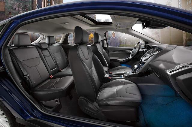 Ford Focus 2016 Fastback - espaço interno