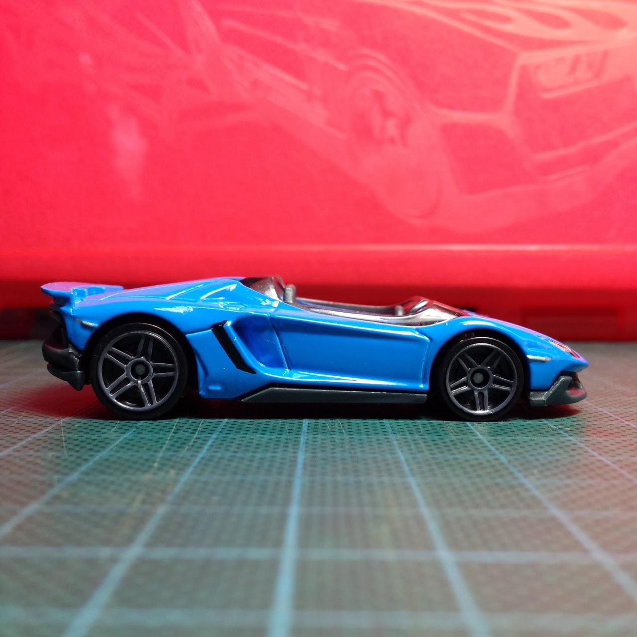 of the recolor on the hot wheels lamborghini aventador j for 2014hot wheels lamborghini aventador j