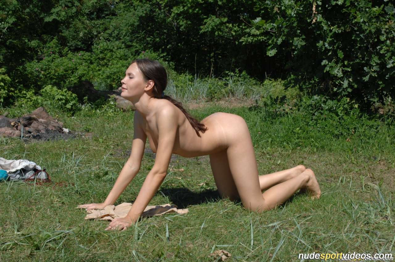 sexy nude girls tied down