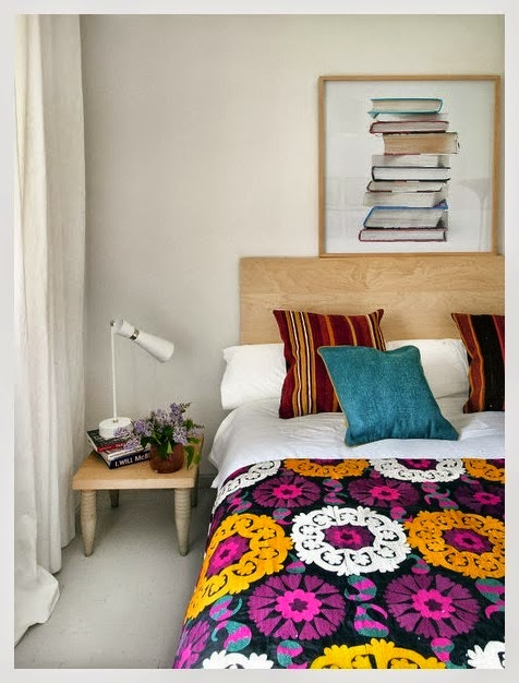 Well for now, it's a peek into an apartment in Madrid. This space would be the perfect answer to my design dilemma. An ideal mix of eclectic textiles