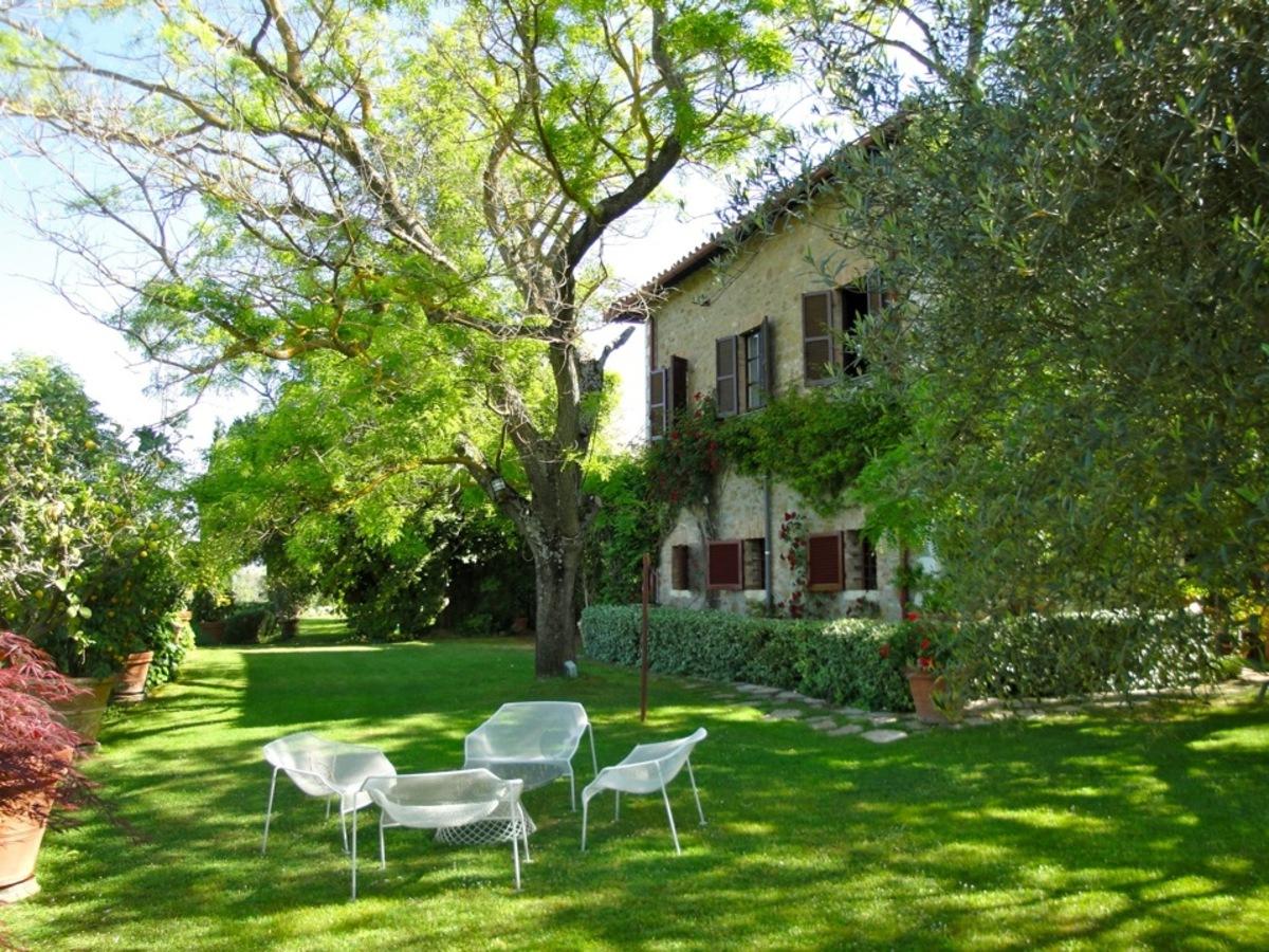 L Uomo e il Paesaggio: Giardino e piscina Perugia